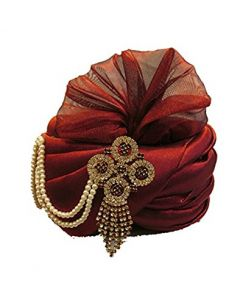 Fancy groom turban with elegant pearls and broach