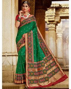 Green Silk Traditional Woven Saree with Patola Print Border and Pallu online